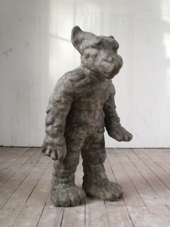 n.t. 2004 fired pigmented white clay H: 122 cm private collection Rotterdam