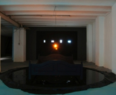'GATE' 2010 installation cacaofabriek Helmond videoscreens/bed/lamp/oil