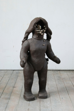 n.t. 2007/2009 fired black clay, ceramics H: 110 cm