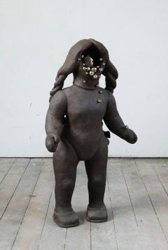 n.t. 2007/2009 fired black clay ceramics H: 110 cm
